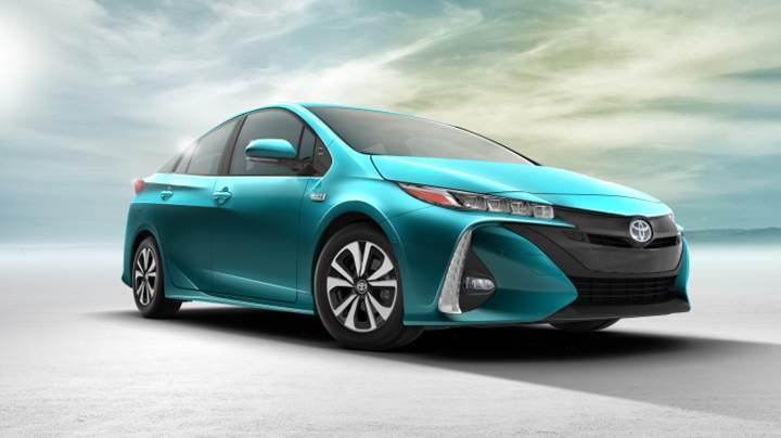 Toyota 2017'de otomatik acil frenleme sistemini standart olarak sunacak