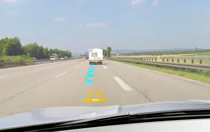 Continental'ın arttırılmış gerçeklik teknolojisi yolları renklendiriyor