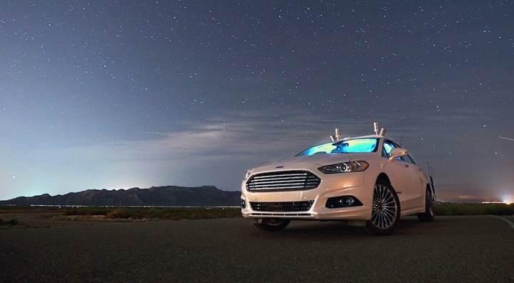 Otonom Ford araçlar gece sürüşünde insanlardan daha iyi