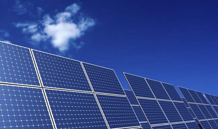 Yeni nesil güneş panelleri yağmur damlalarından enerji üretecek