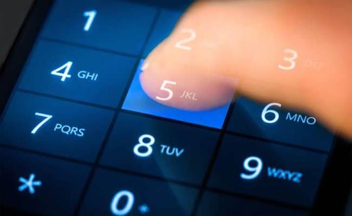 Hindistan'da telefonlara panik butonu geliyor