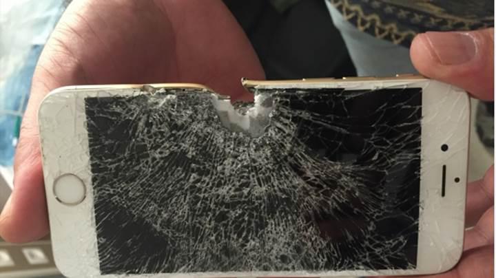 Uzman çavuşun hayatını cebindeki iPhone'u kurtardı