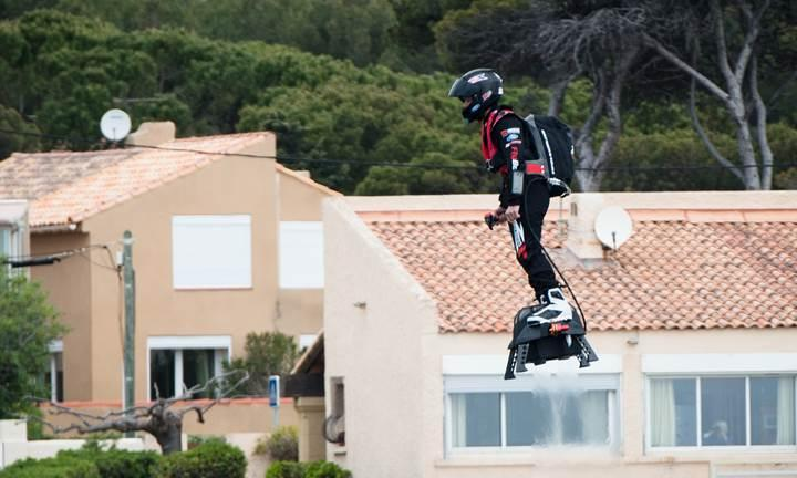 'Uçan Fransız': Hoverboard'la dünya rekoru kırdı (Video)