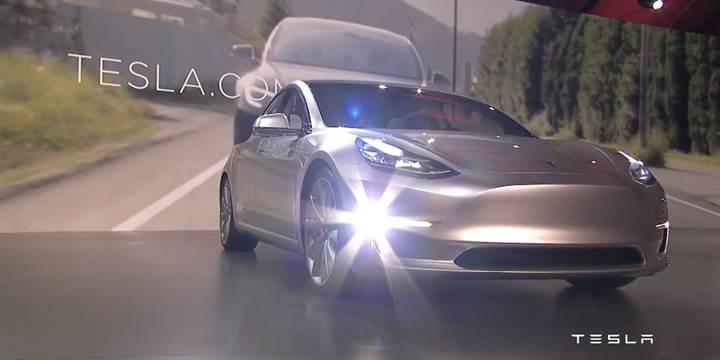 Elon Musk, Tesla Model 3'te Ludicrous Mod olacağını doğruladı