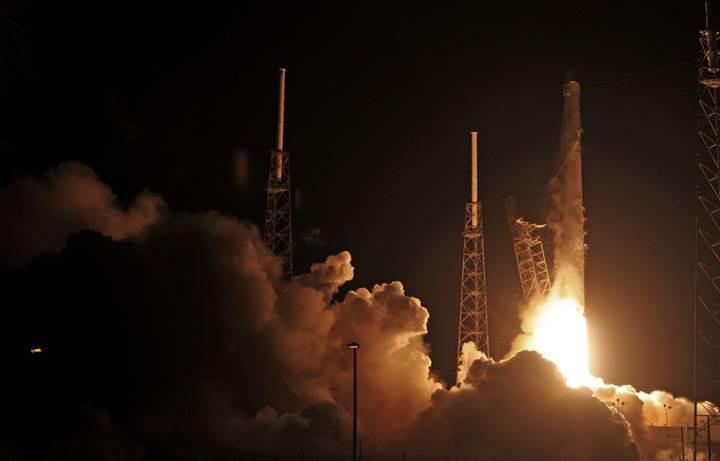 SpaceX iniş denemesi yapıyor (CANLI)(Falcon 9 iniş yaptı)