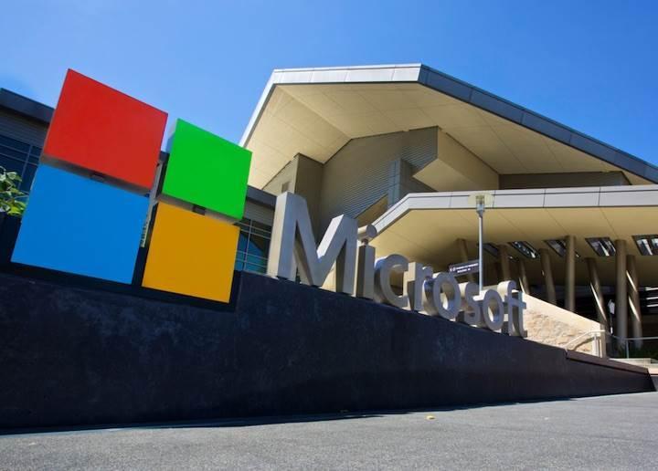 Microsoft ve Apple, 1 trilyon dolar gelir barajını geçti