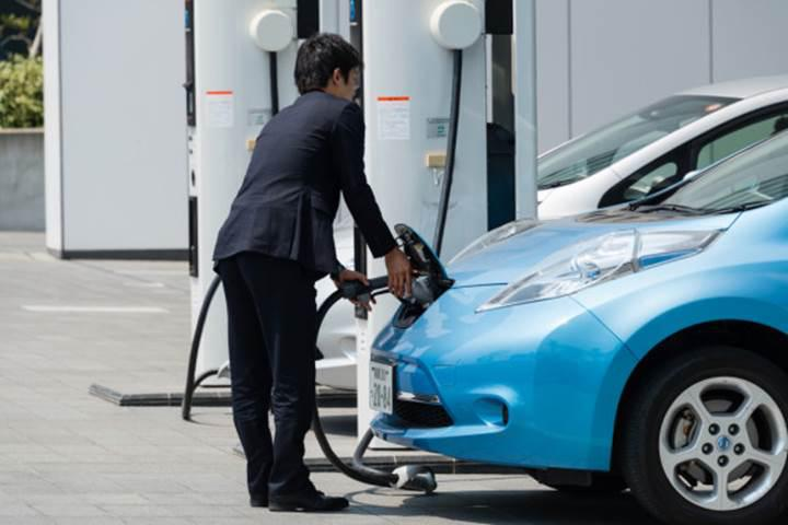 Japonya'da elektrikli araç şarj istasyonlarının sayısı petrol istasyonlarını geçti