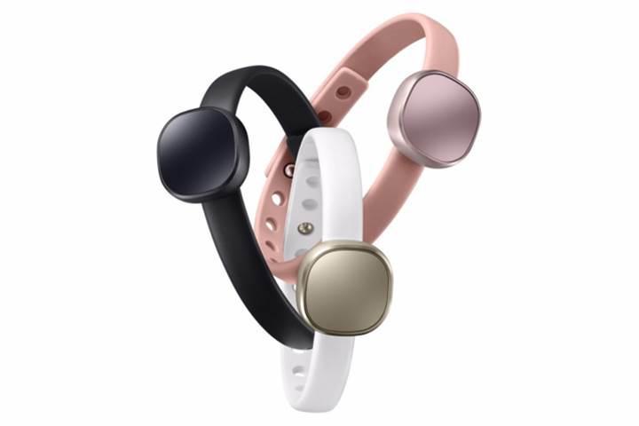Uygun fiyatlı fitness bilekliği Samsung Charm satışa çıkıyor