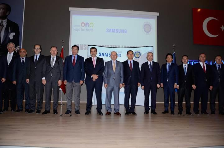 """Samsung Türkiye'de """"Yapay Zeka Laboratuvarı"""" açtı"""