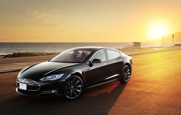 Tesla, Model 3 üretimine kaynak bulmak için hisselerini satıyor