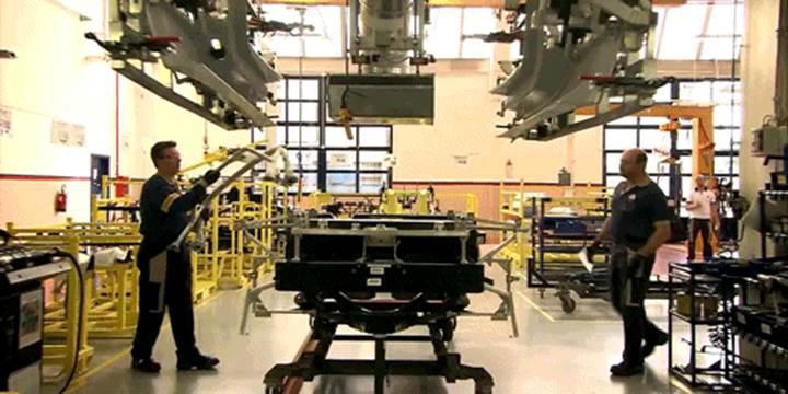 Alfa Romeo 4C'nin üretim sürecine tanıklık edin