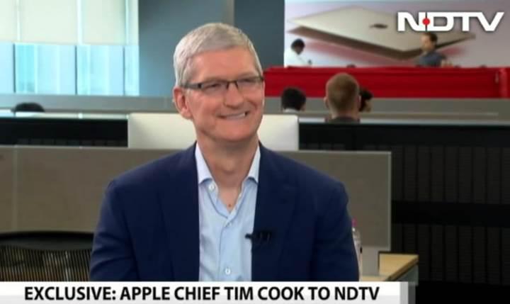 Apple CEO'sundan tarihi itiraf 'iPhone çok pahalı, düşürmeye çalışacağız'