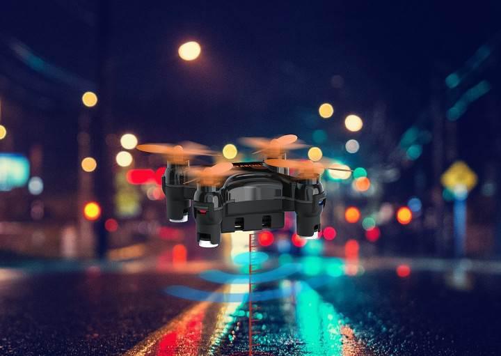 Bu drone, yüksekliğini otomatik ayarlıyor