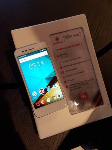 Vodafone'dan iki yeni Smart 7 akıllı telefonu
