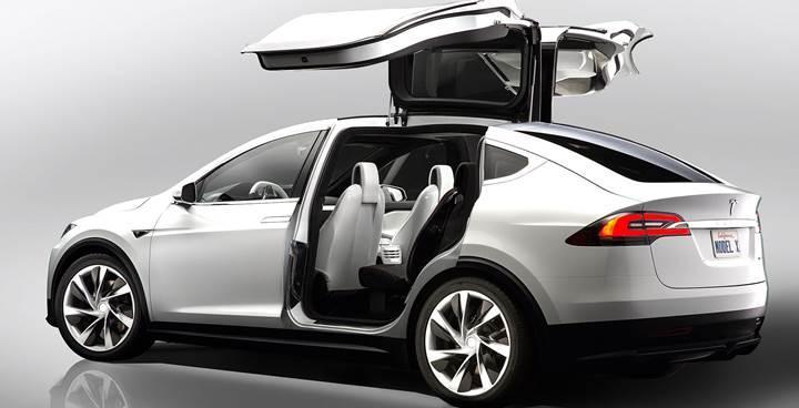 Tesla modellerinin evrimi: Elektrikli otomobillerin efsanesine yakın bakış