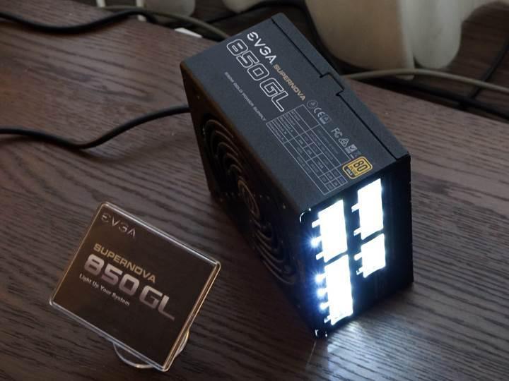EVGA, LED bağlantı noktalı güç kaynaklarını duyurdu