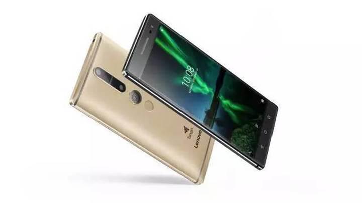Lenovo Project Tango telefonu kameralar karşısında