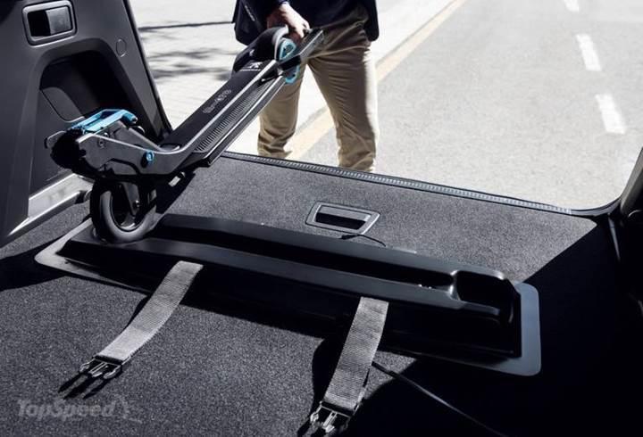 Peugeot'dan yeni elektrikli yardımcı scooter: e-Kick