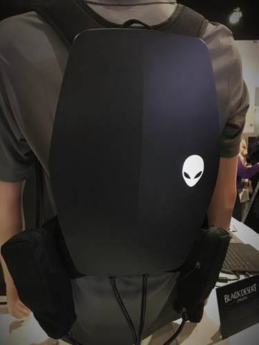 Dell Alienware'den iki VR sırt çantası