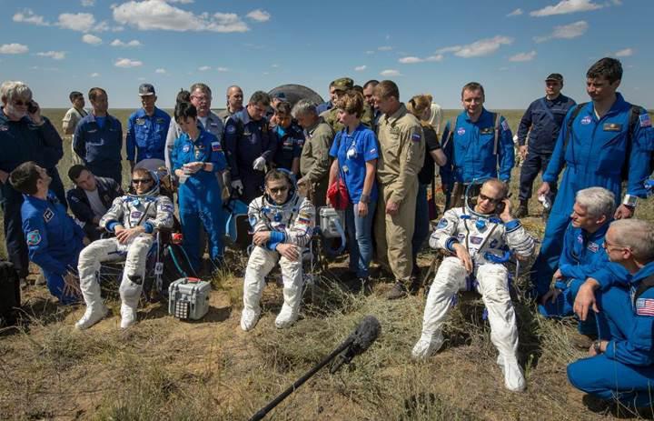 Uzay İstasyonu'ndaki 3 astronot işte böyle Dünya'ya döndü