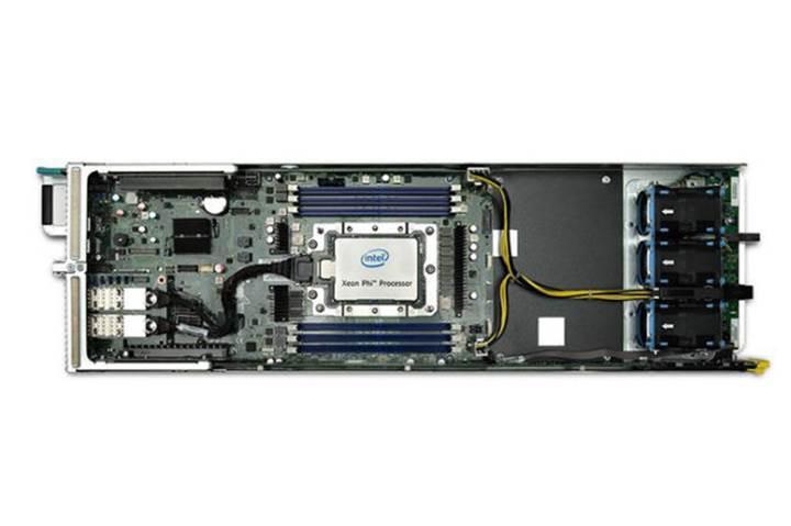 72 çekirdekli Intel Xeon Phi 7290 işlemcisi duyuruldu