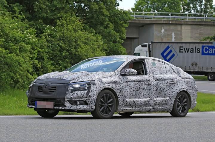 2017 model Renault Mégane sedan kameralara yakalandı