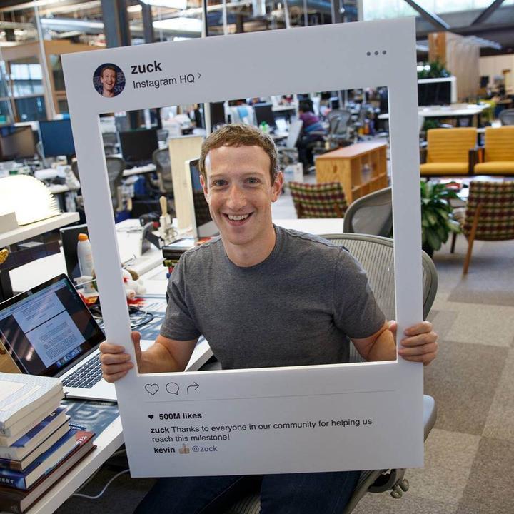 Mark Zuckerberg de webcamin üzerini bantla kapatanlar arasında