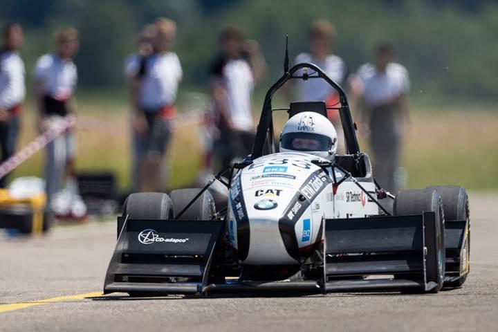 Elektrikli yarış aracı dünya hızlanma rekorunu kırdı