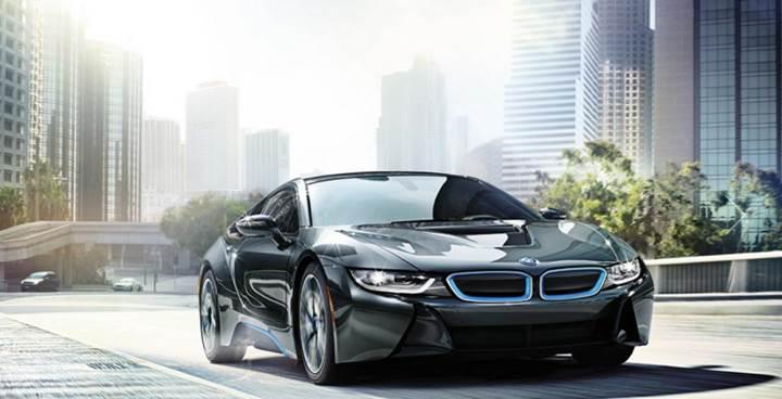 BMW, i8 hibrit modelini tamamen elektrikliye geçirmeyi düşünüyor