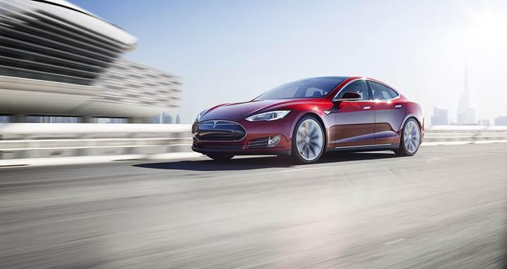 Tesla Models S, otomatik pilotta bir insanın ölümüne neden oldu