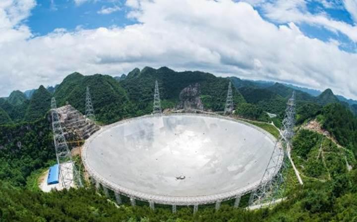 Uzaylı avlayacaklar: Çin dünyanın en büyük radyo teleskobunu tamamladı