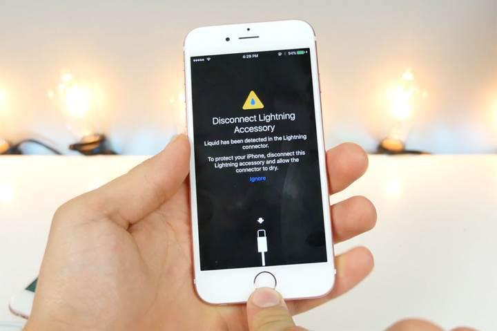 iOS 10, bağlantı noktasındaki ıslaklığı haber verecek