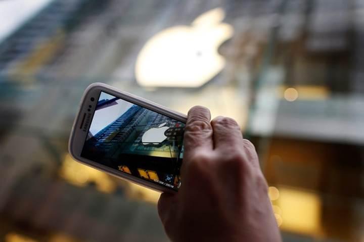 Samsung, akıllı telefon pazarında Apple'ı ikiye katladı