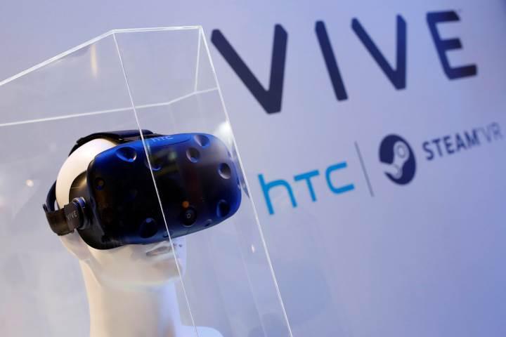 HTC'de düşüş sürüyor