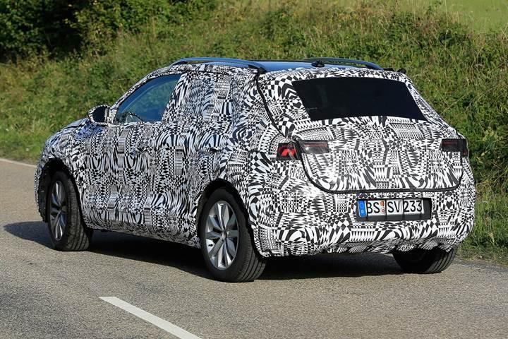 Yeni Volkswagen Polo SUV test sırasında görüntülendi