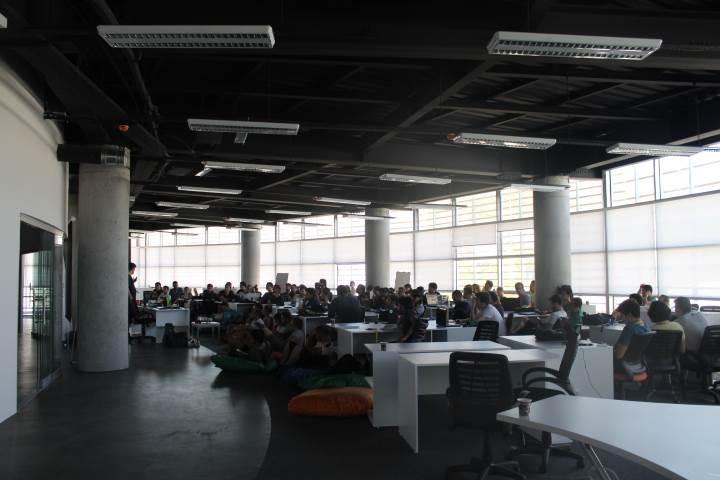 Türkiye'nin ilk açık inovasyon kampı Hack'n Break tüm hızıyla devam ediyor