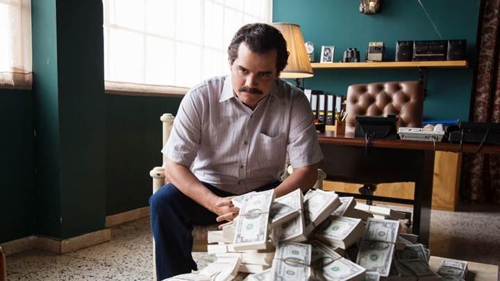 Narcos'un 2.sezonundan yeni fragman ve poster