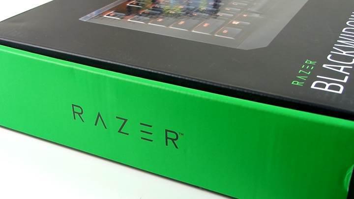 Razer Blackwidow X Chroma mekanik klavye test masamızda!