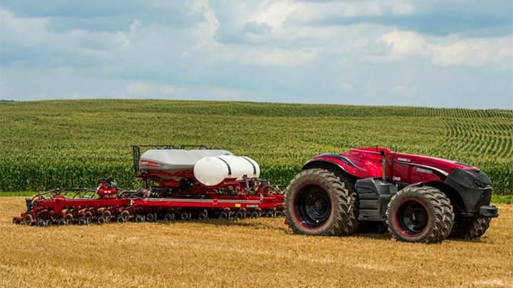 Tarlalarda sürücüsüz traktör dönemi başlıyor