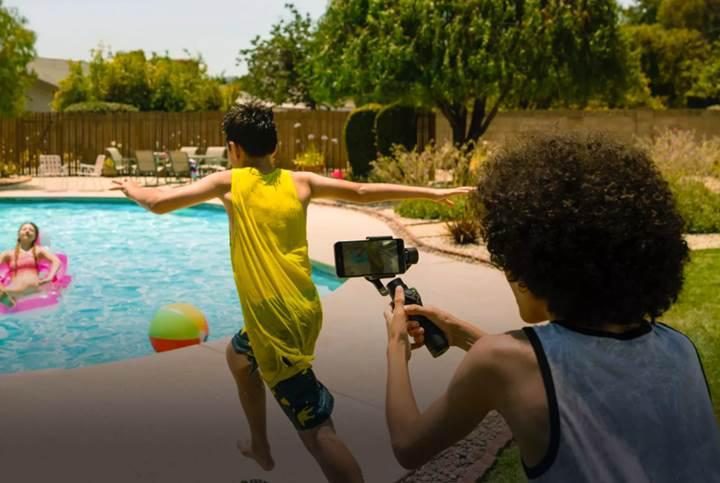 DJI Osmo Mobile ile akıllı telefonunuz profesyonel kameraya dönüşüyor