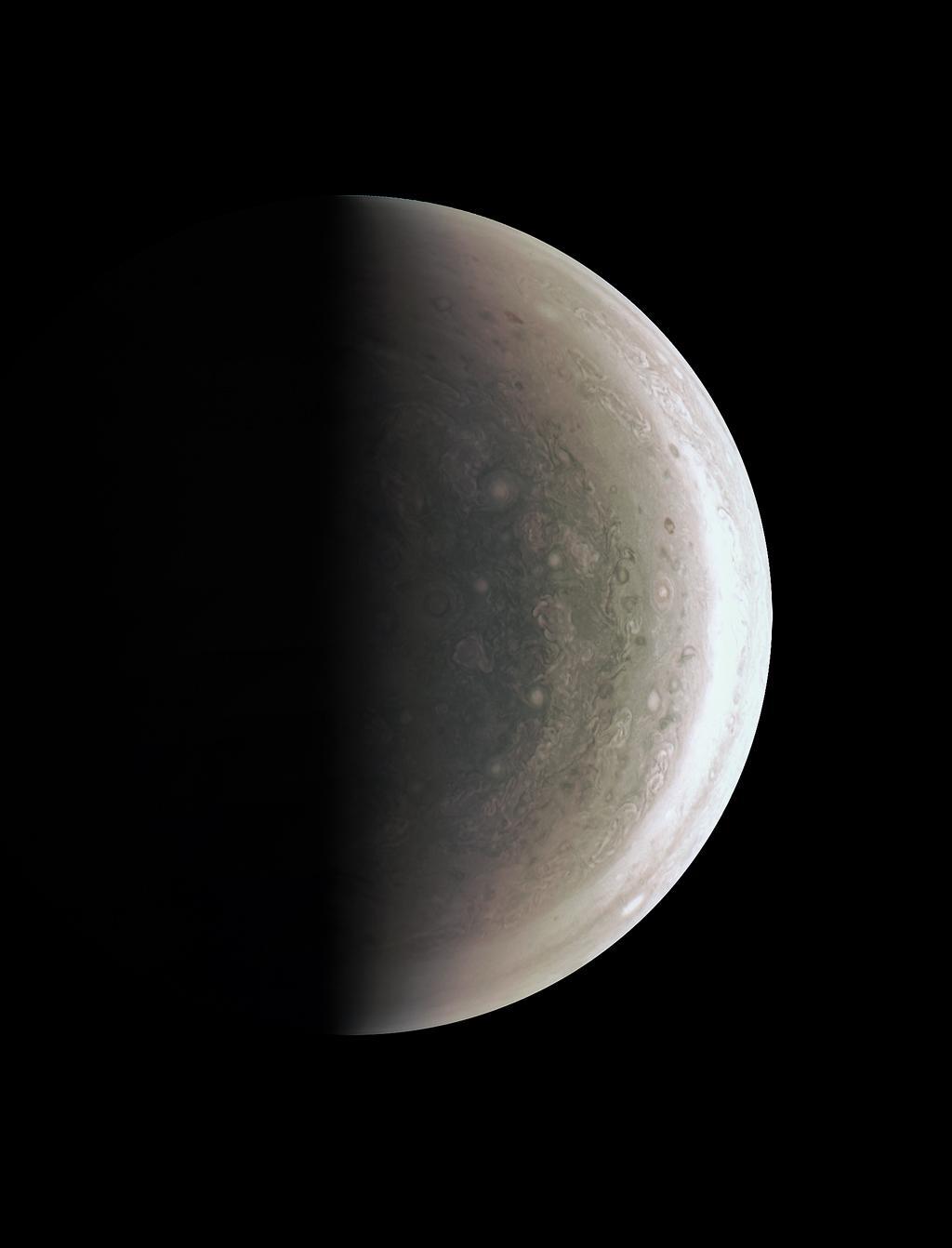 Juno Jüpiter'in kuzey kutbunu tarihte ilk kez görüntüledi