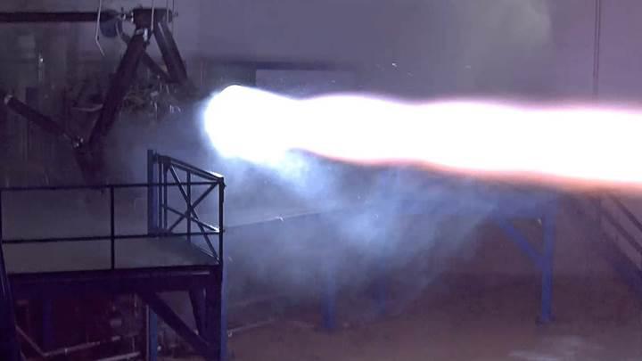 SpaceX, insanları Mars'a götürecek roket motorunu test etti
