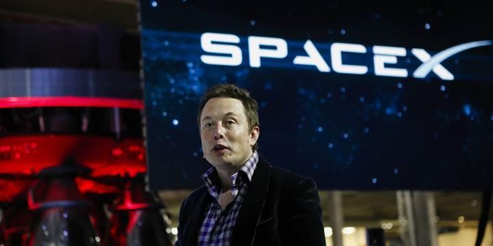 SpaceX'in Mars etkinliği başladı: Elon Musk konuşuyor (Canlı yayın)