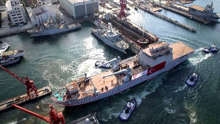 Tank Çıkarma Gemisi TCG Bayraktar 2017 yılında hizmete giriyor