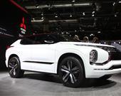 Çift elektrikli motor otomobile 121 beygir güç sağlıyor.