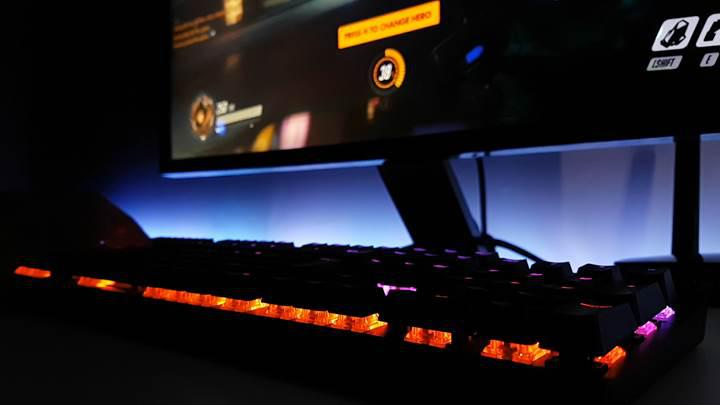 Corsair K70 RGB Rapidfire incelemesi