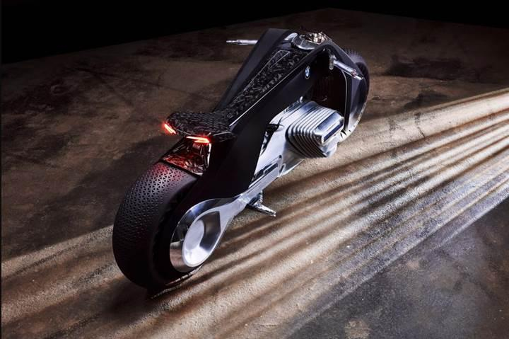 Geleceğin motosikletlerine BMW yorumu: BMW Motorrad Vision Next 100