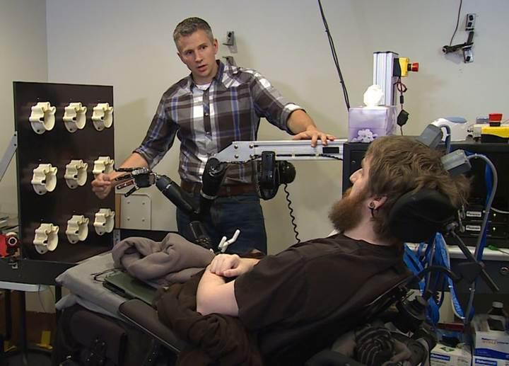 Yeni geliştirilen robotik kol dokunmaları algılayabiliyor