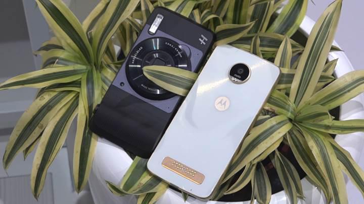Telefonu kameraya dönüştüren modül: Moto Z için 10x optik yakınlaştırma ve OIS