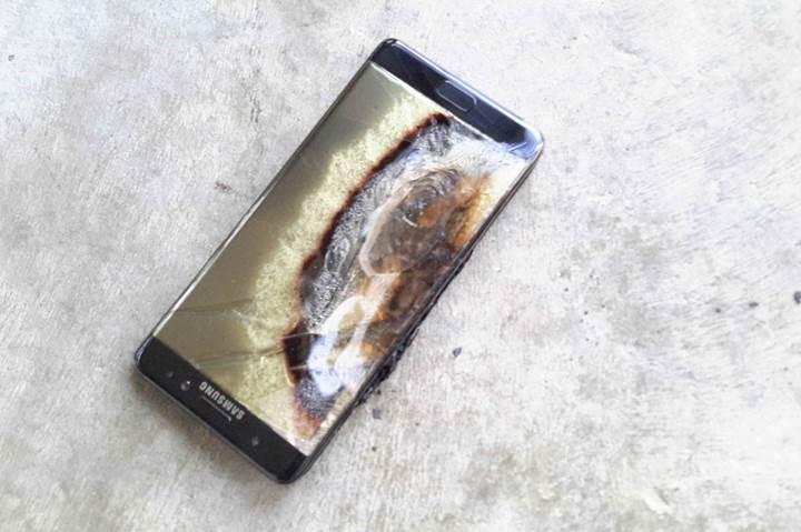 Galaxy Note 7 ile uçağa binene 556 bin lira para, 10 yıl hapis cezası